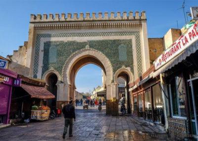 Puerta de la ciudad de Bab Bou Jeloud (Puerta Azul),