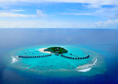 atolón-o-seenu-atoll-el-sur-de-addu-la-mayoría-del-atolón-de-las-islas-de-maldivas-56908724