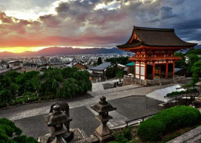 Sunset-from-Kiyomizudera-Kiyomizu-dera-Buddhist-temple-UNESCO-world-heritage-site-Kyoto-Japan