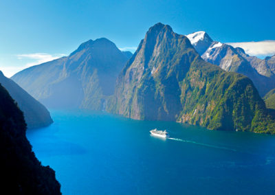 AS42-Milford-Sound-Fiordland-Rob-Suisted_milford_cruise